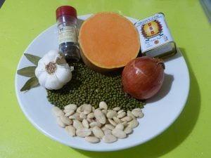 Soja verde guisada con calabaza y almendras