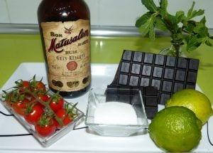 Bombones de tomate macerados en mojito y en licor de café