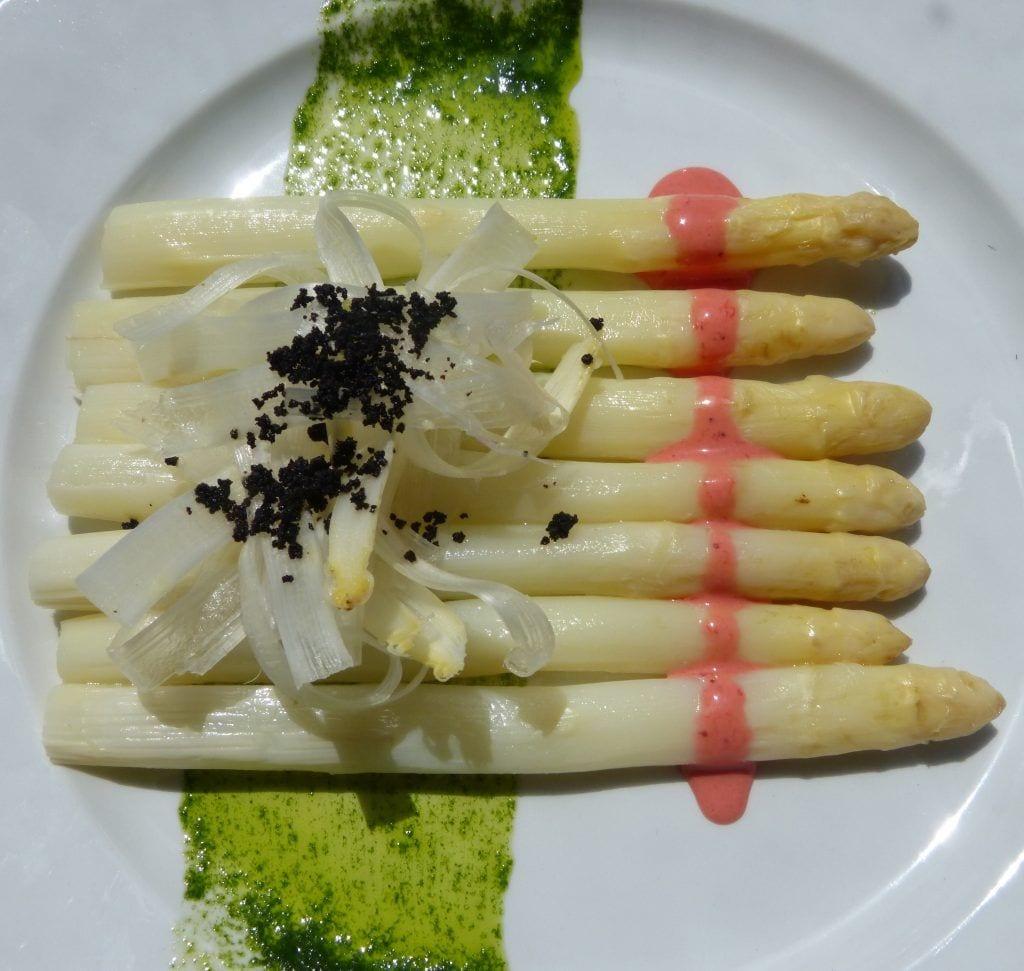Espárragos blancos con Mayonesa de fresa