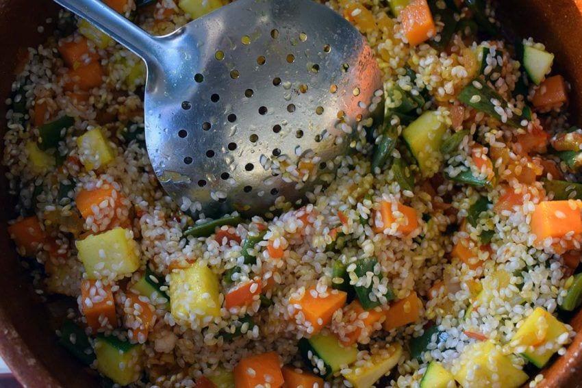 Arroz al horno con alioli de coliflor - Sofrito con arroz