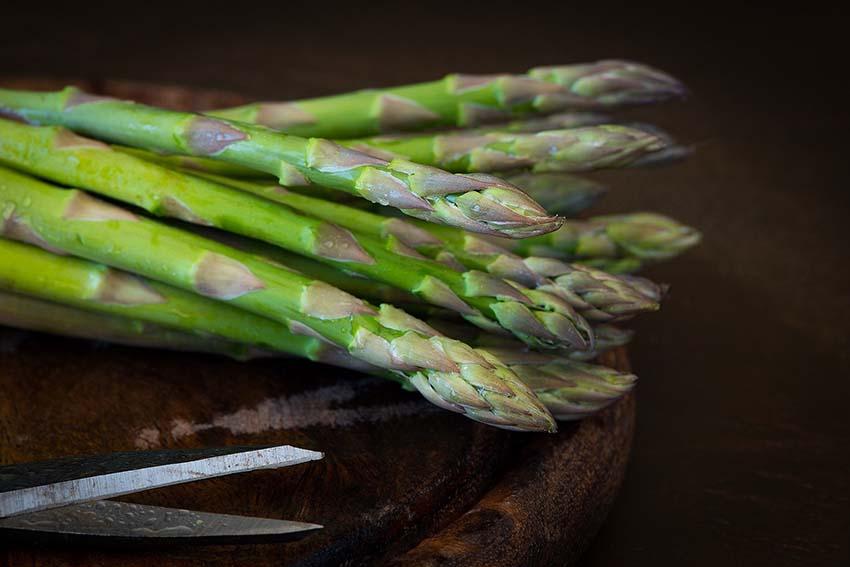 Qué comer en abril: espárragos trigueros